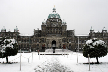 The Legislature Bldg. in Victoria BC after a snowfall. Credit tracy_olson on Flickr.